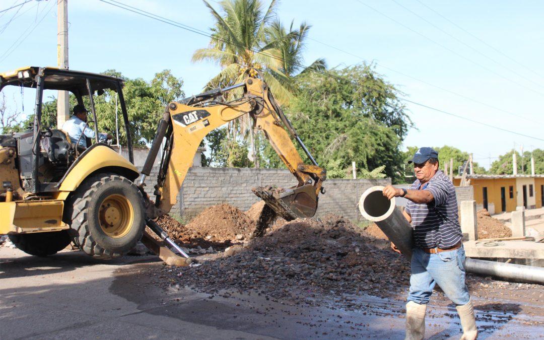 Surge nuevamente problema de azolve de drenaje por avenida poniente 14
