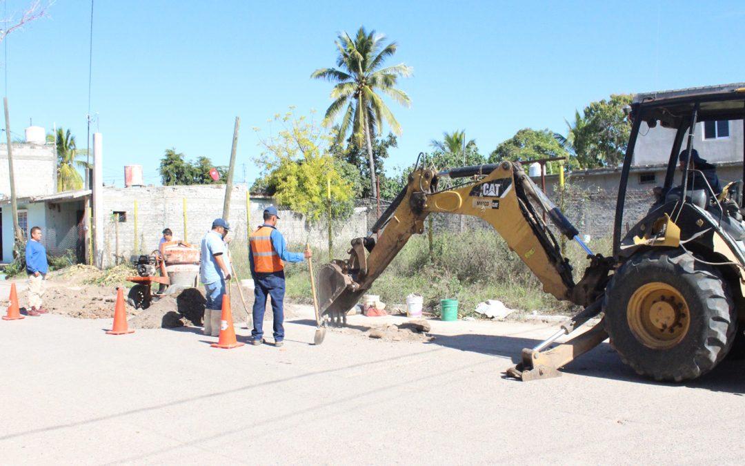 Realiza japame trabajo de bacheo en avenidas de La Cruz