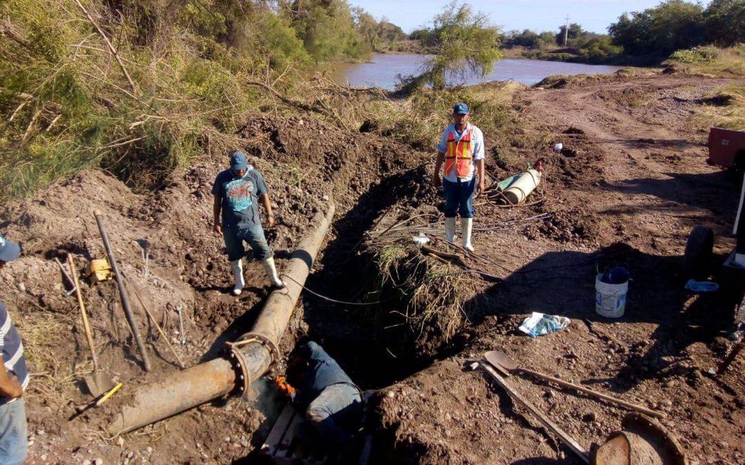 Repara Japame línea de conducción de agua potable dañada en cauce del rio Elota