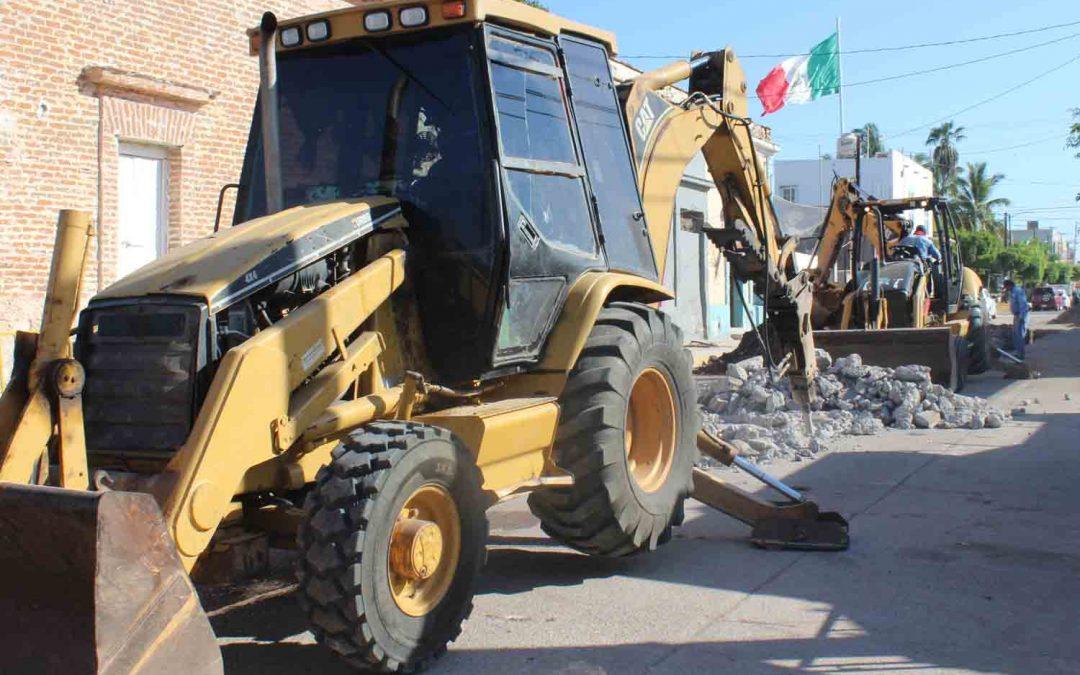 Continúa Japame atacando problemas de drenajes azolvados en distintos puntos de La Cruz