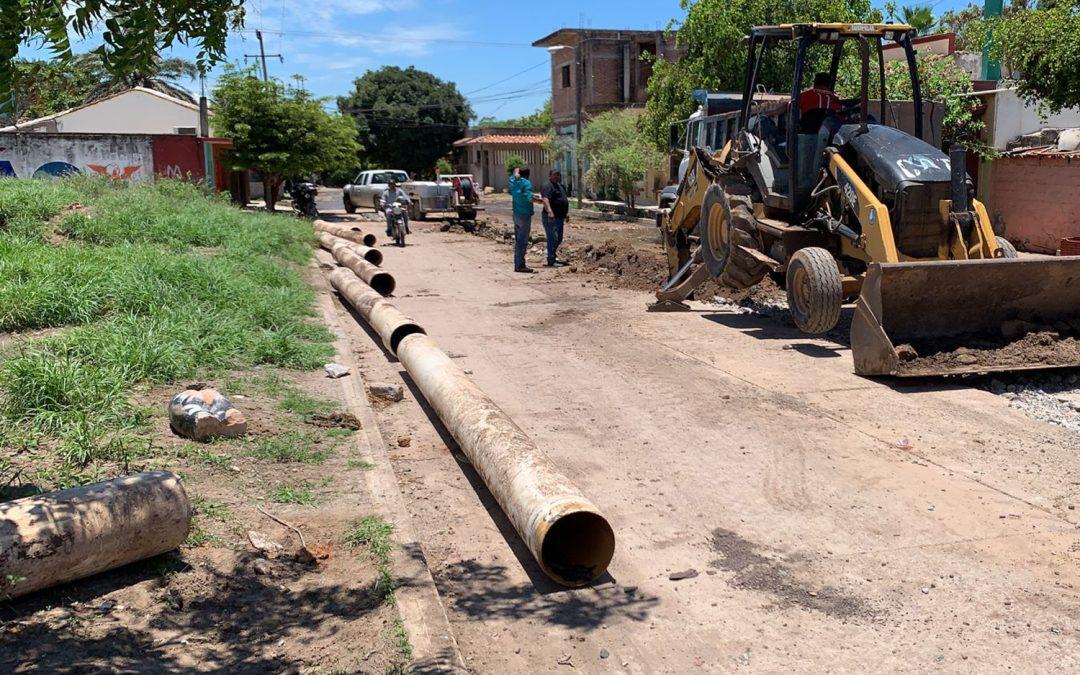Efectúa Japame trabajos en línea de drenaje sanitario colapsada en colonia El Pedregal